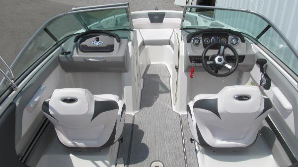 2019 Chaparral boat for sale, model of the boat is 21 H2O Sport & Image # 5 of 13