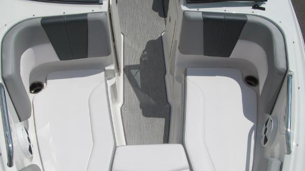 2019 Chaparral boat for sale, model of the boat is 21 H2O Sport & Image # 10 of 13