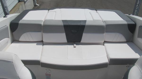 2019 Chaparral boat for sale, model of the boat is 21 H2O Sport & Image # 12 of 13