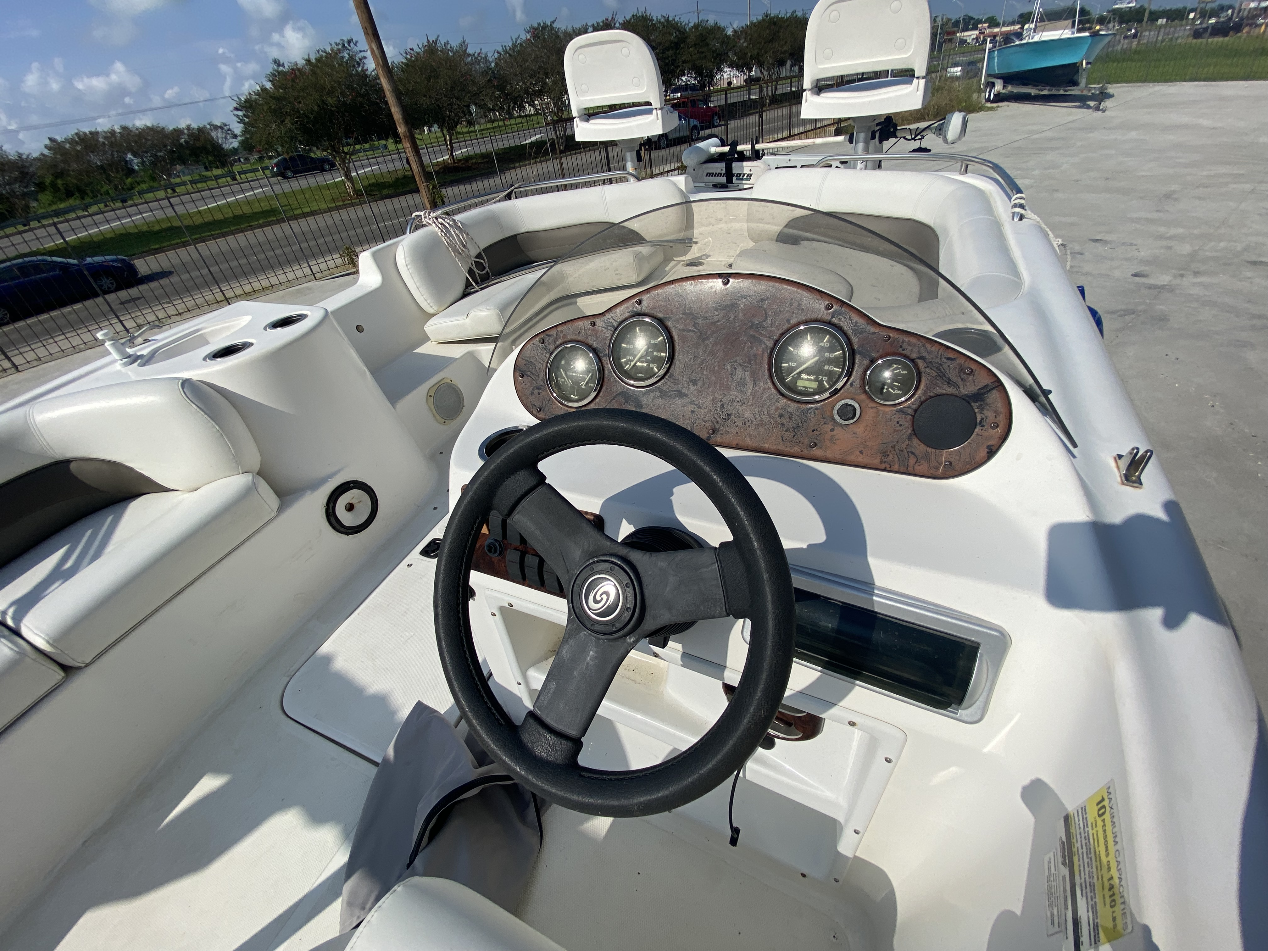 2012 Hurricane boat for sale, model of the boat is 201 Sport & Image # 3 of 11
