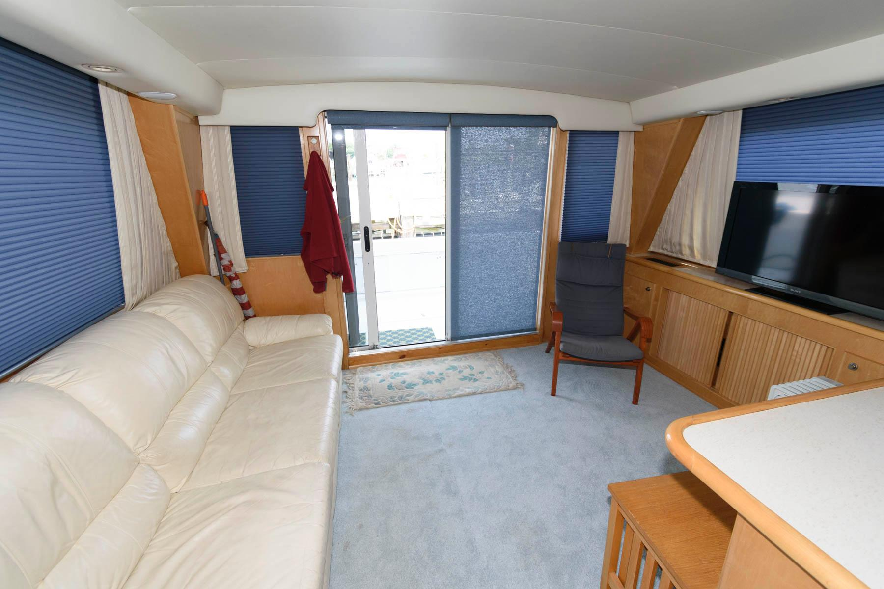 M 6165 SK Knot 10 Yacht Sales