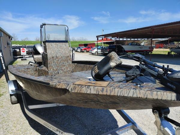 2021 Xpress boat for sale, model of the boat is H190B & Image # 4 of 14