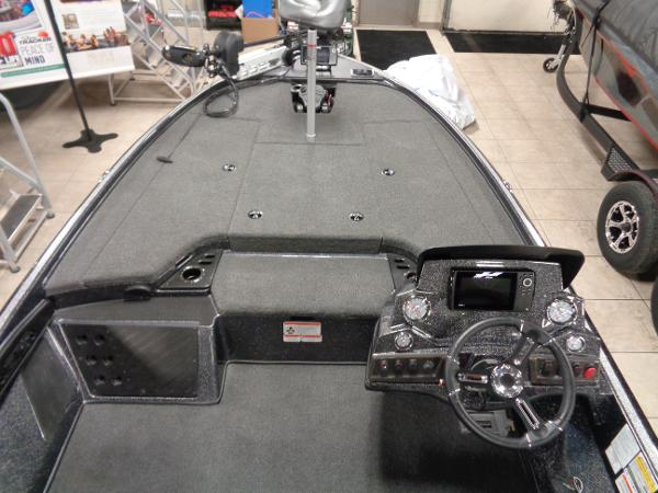 2021 Nitro boat for sale, model of the boat is Z18 Pro & Image # 3 of 15