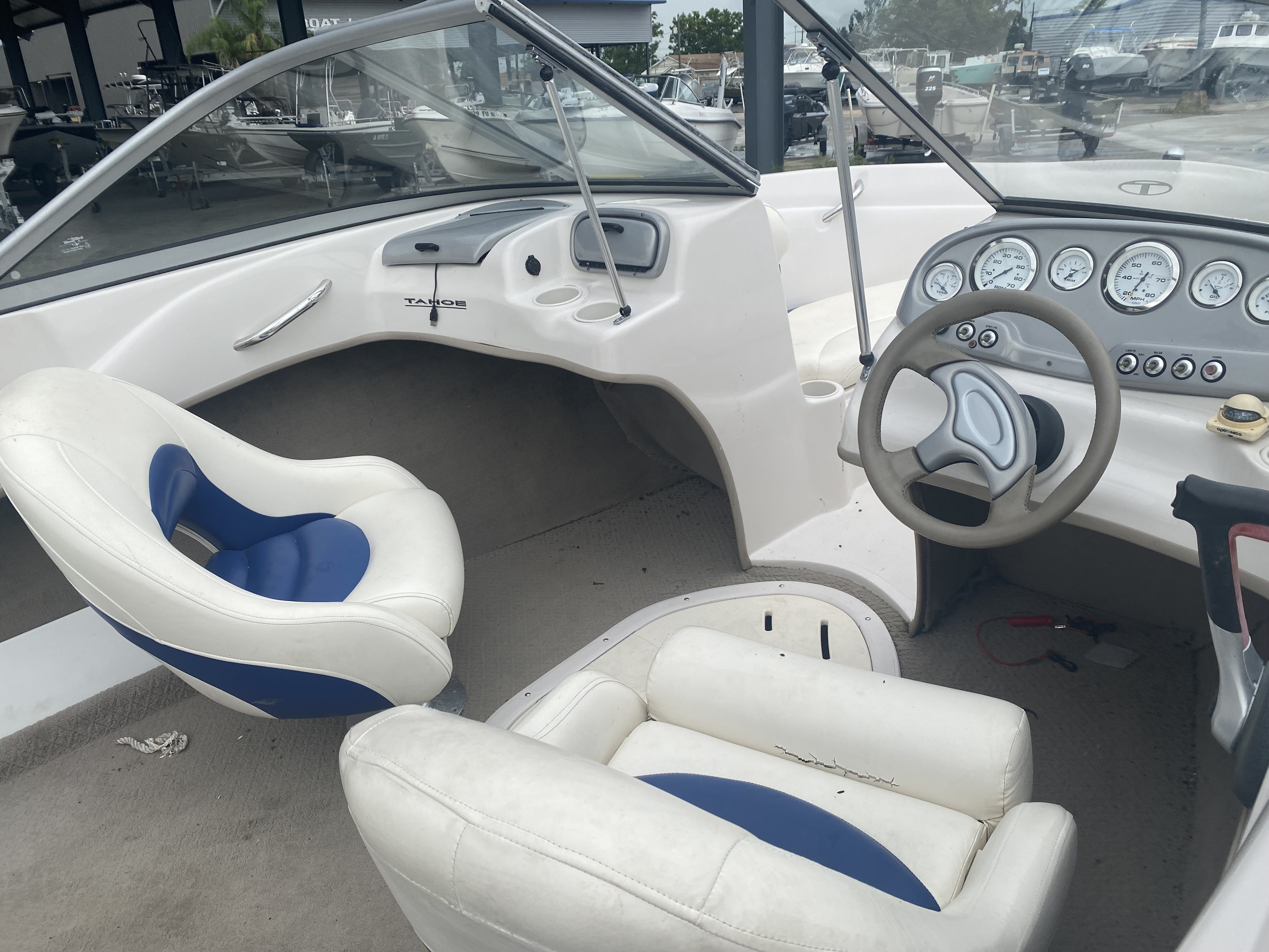 2008 Tahoe boat for sale, model of the boat is Q6 & Image # 9 of 10