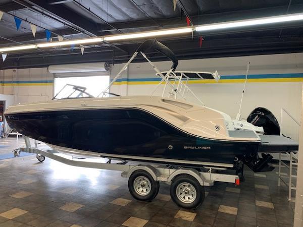 2022 Bayliner boat for sale, model of the boat is DX2250 & Image # 2 of 11