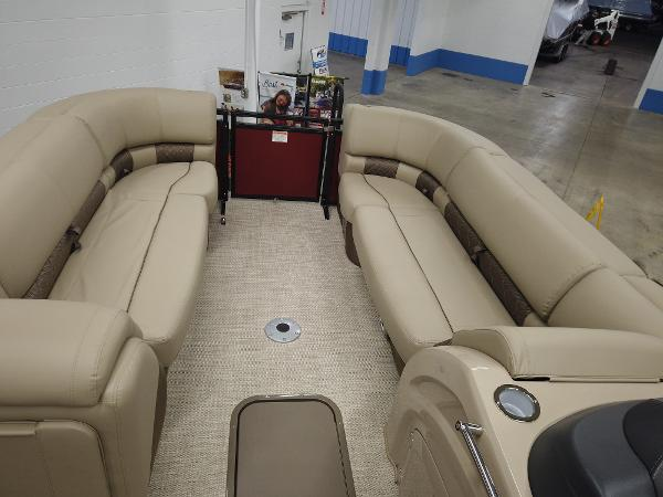 2021 Regency boat for sale, model of the boat is 230 LE3 Sport & Image # 15 of 17