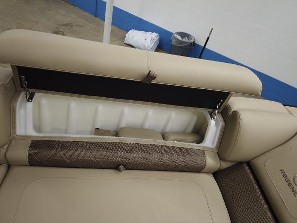 2021 Regency boat for sale, model of the boat is 230 LE3 Sport & Image # 17 of 17
