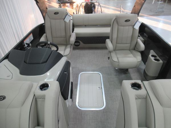 2021 Barletta boat for sale, model of the boat is L23UCA TRI & Image # 5 of 25