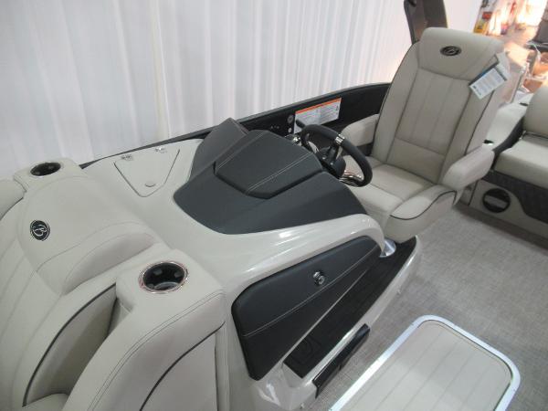 2021 Barletta boat for sale, model of the boat is L23UCA TRI & Image # 7 of 25