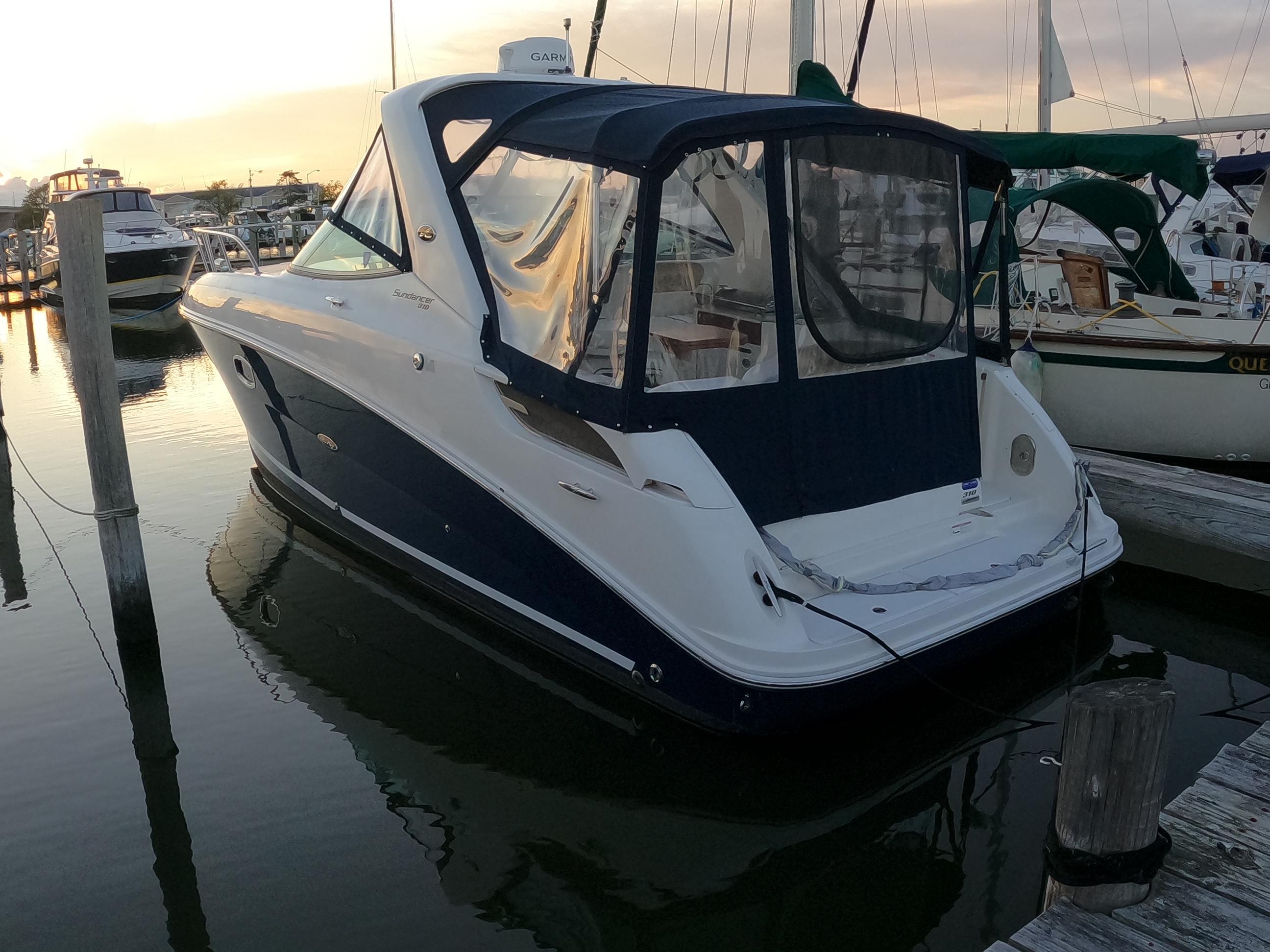 M 6577 CF Knot 10 Yacht Sales