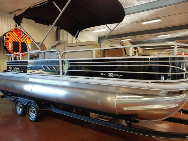 2021 Sun Tracker boat for sale, model of the boat is Fishin' Barge 22 & Image # 1 of 14