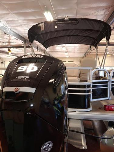 2021 Sun Tracker boat for sale, model of the boat is Fishin' Barge 22 & Image # 4 of 14