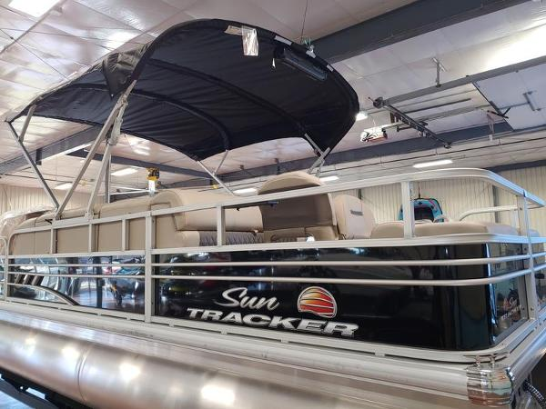 2021 Sun Tracker boat for sale, model of the boat is Fishin' Barge 22 & Image # 13 of 14