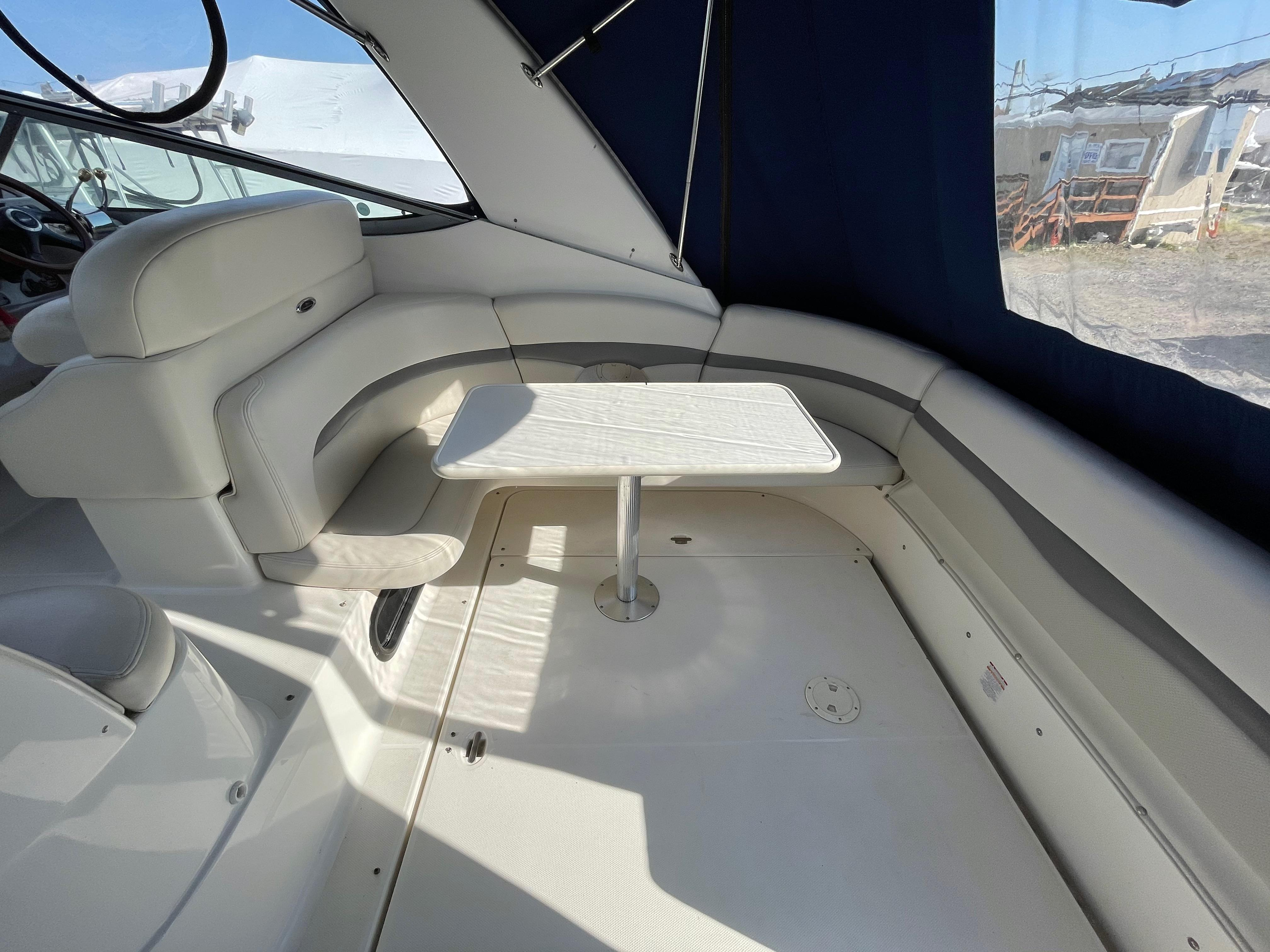 NY 6119 KM Knot 10 Yacht Sales