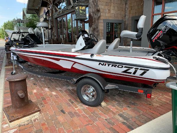 2021 Nitro boat for sale, model of the boat is Z17 & Image # 5 of 10