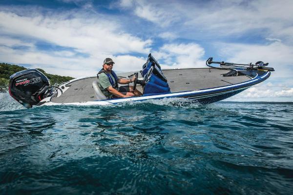 2020 Nitro boat for sale, model of the boat is Z17 & Image # 7 of 85