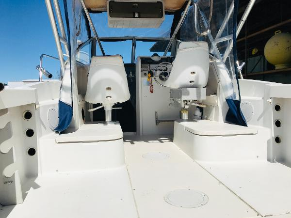1992 Aquasport boat for sale, model of the boat is 210 Walkaround & Image # 13 of 18