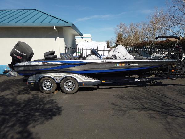 2008 TRITON 21X2 DC for sale