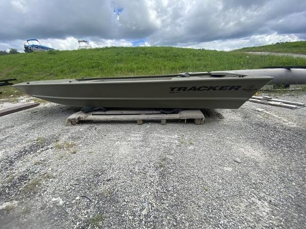 2022 Tracker Grizzly 1648 Jon Boat