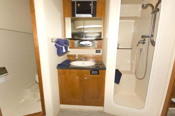 M 1011 EF Knot 10 Yacht Sales