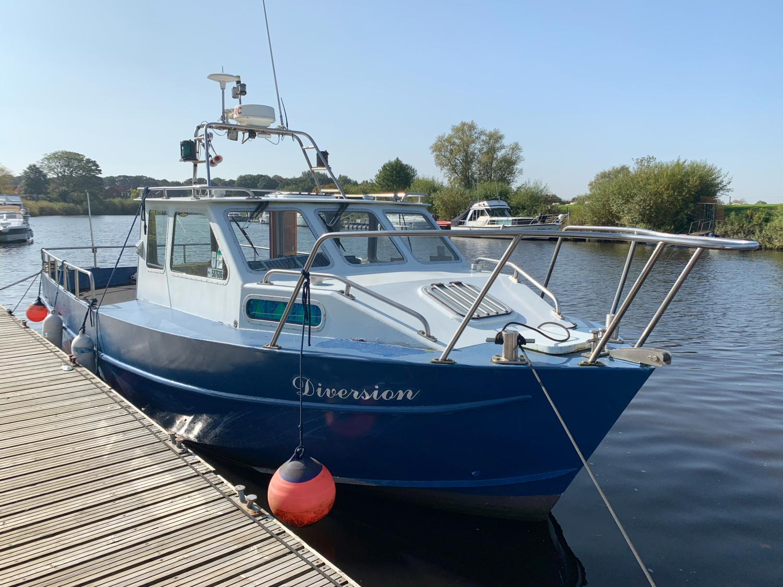 Bruce Roberts Coastworker 30 Work/Dive Boat