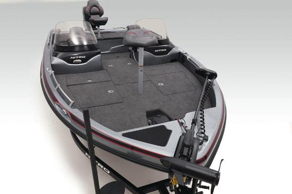 2020 Nitro boat for sale, model of the boat is ZV19 & Image # 12 of 58