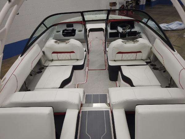 2021 Regal boat for sale, model of the boat is LS2 & Image # 4 of 11