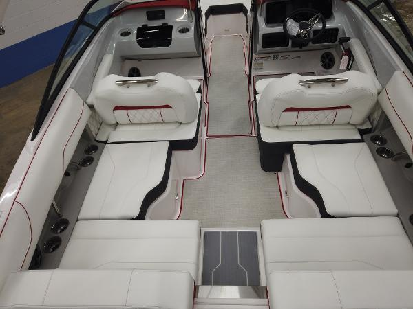 2021 Regal boat for sale, model of the boat is LS2 & Image # 5 of 11