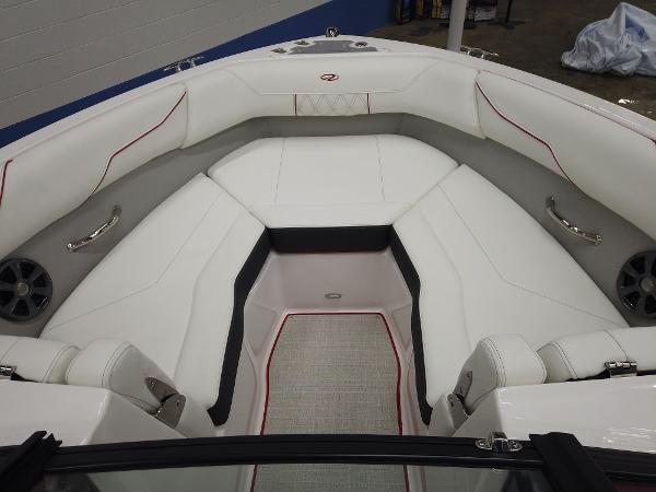 2021 Regal boat for sale, model of the boat is LS2 & Image # 8 of 11