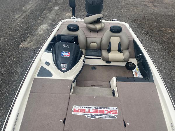 2013 Skeeter boat for sale, model of the boat is FX 20 & Image # 10 of 16