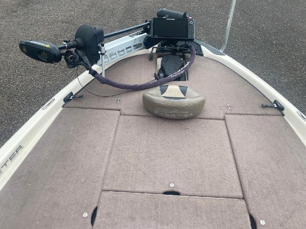 2013 Skeeter boat for sale, model of the boat is FX 20 & Image # 12 of 16