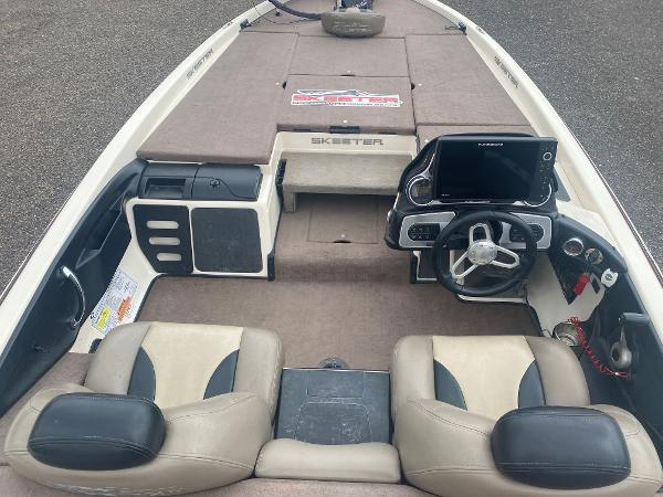 2013 Skeeter boat for sale, model of the boat is FX 20 & Image # 9 of 16