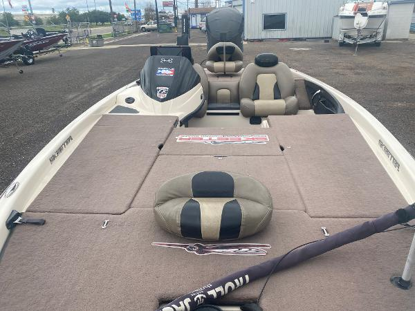 2013 Skeeter boat for sale, model of the boat is FX 20 & Image # 8 of 16