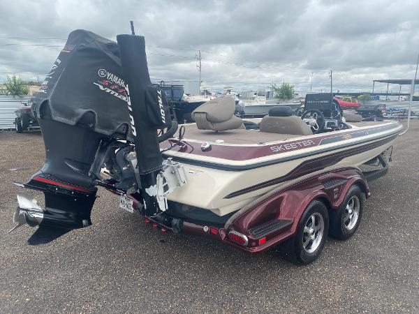 2013 Skeeter boat for sale, model of the boat is FX 20 & Image # 5 of 16
