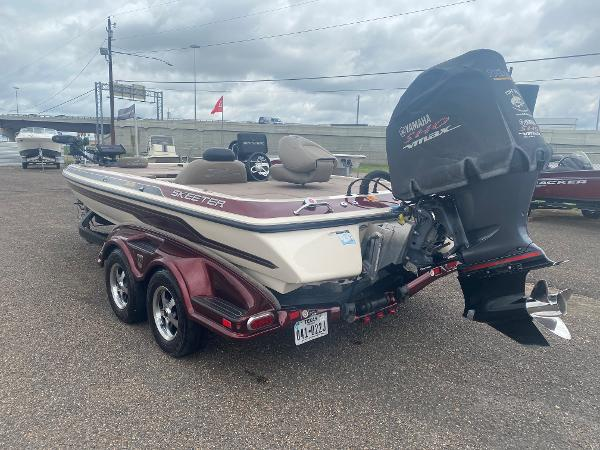 2013 Skeeter boat for sale, model of the boat is FX 20 & Image # 6 of 16