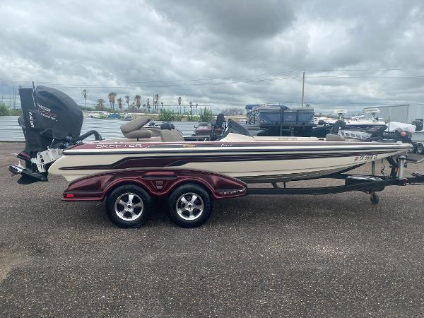 2013 Skeeter boat for sale, model of the boat is FX 20 & Image # 3 of 16
