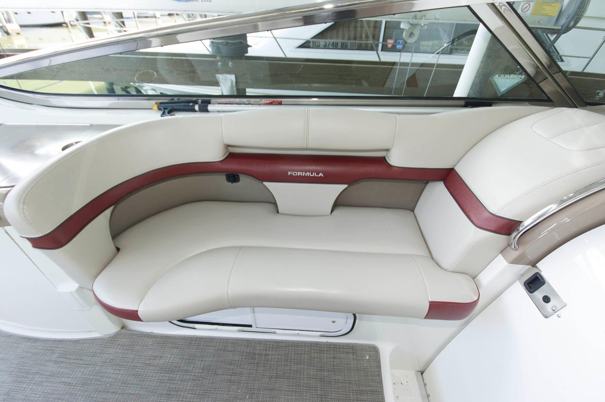 M 5653 KB Knot 10 Yacht Sales