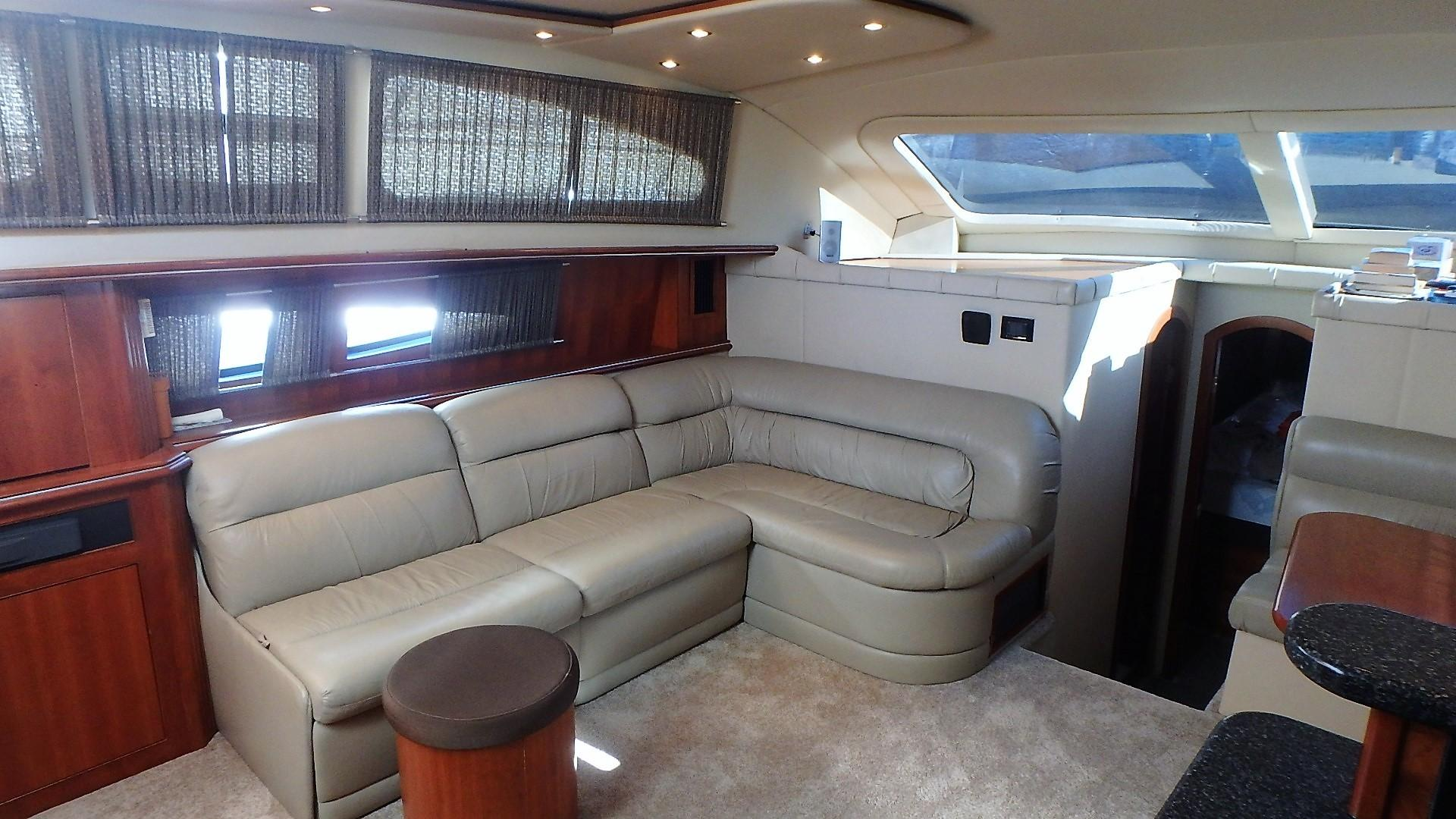 Cruisers Yachts 455 - Salon 1