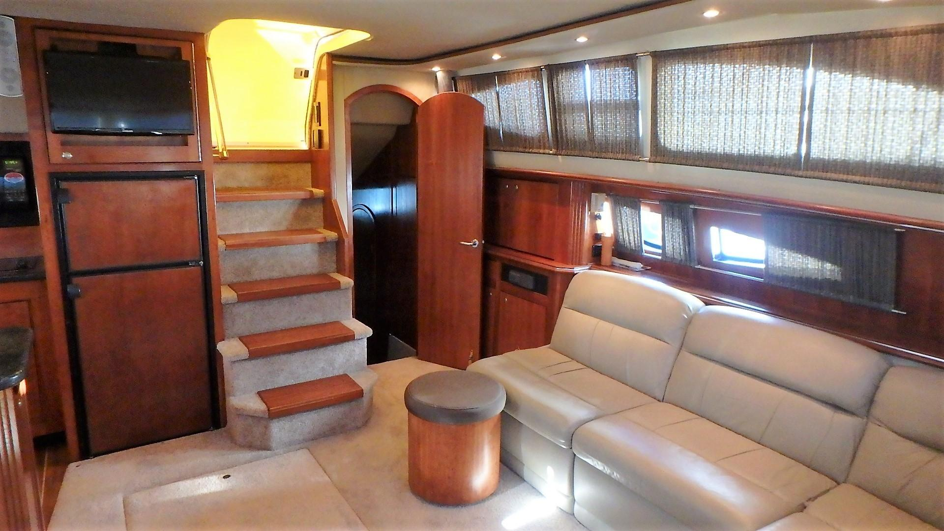 Cruisers Yachts 455 - Salon 2