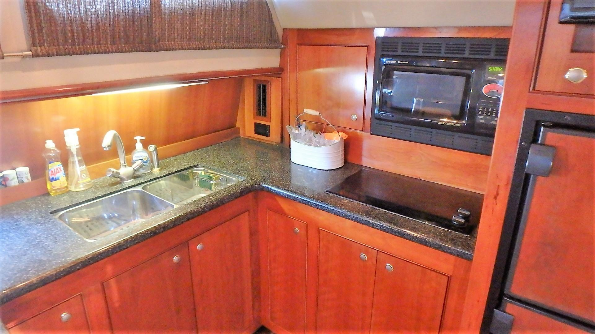 Cruisers Yachts 455 - Galley 2