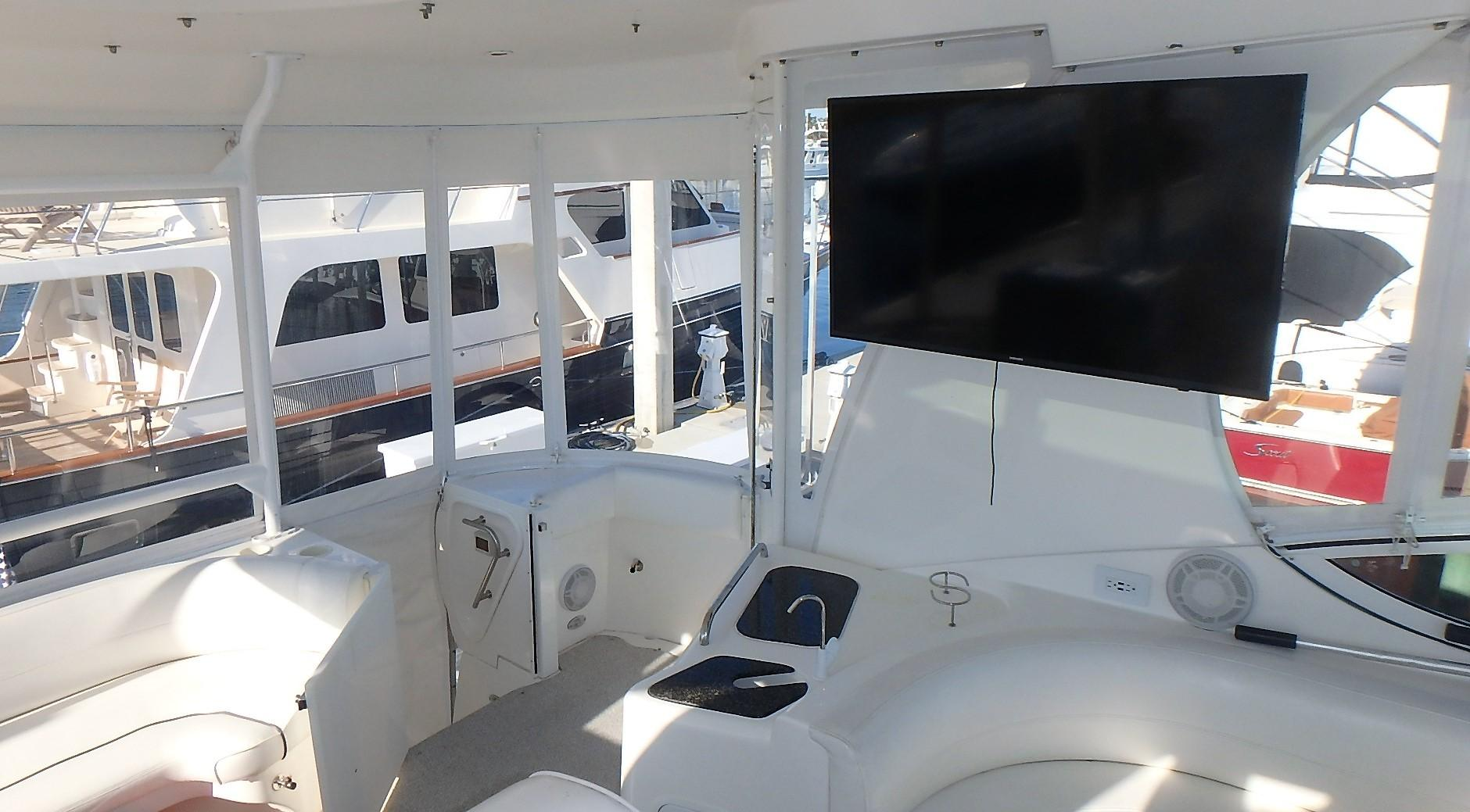 Cruisers Yachts 455 - Cockpit TV