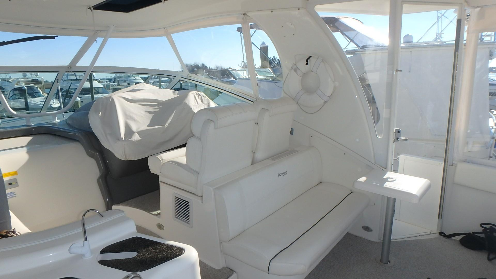 Cruisers Yachts 455 - Cockpit Seating