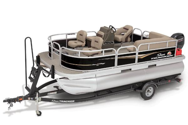2020 Sun Tracker boat for sale, model of the boat is Bass Buggy® 16 XL & Image # 1 of 23
