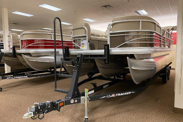 2021 Sun Tracker boat for sale, model of the boat is SportFish 22 XP3 & Image # 1 of 10