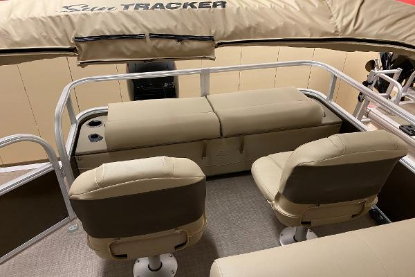 2021 Sun Tracker boat for sale, model of the boat is SportFish 22 XP3 & Image # 9 of 10