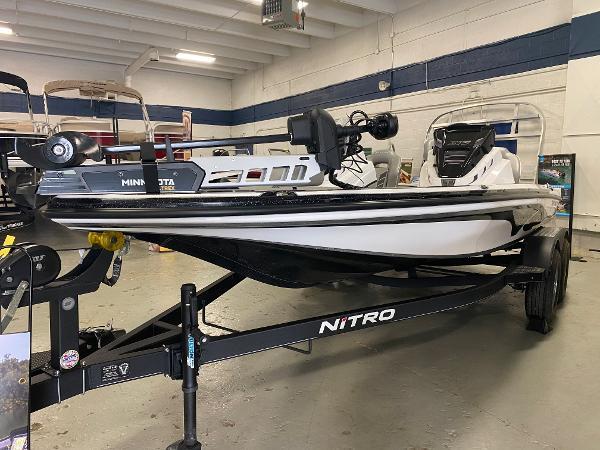 2021 Nitro boat for sale, model of the boat is Z18 & Image # 1 of 8