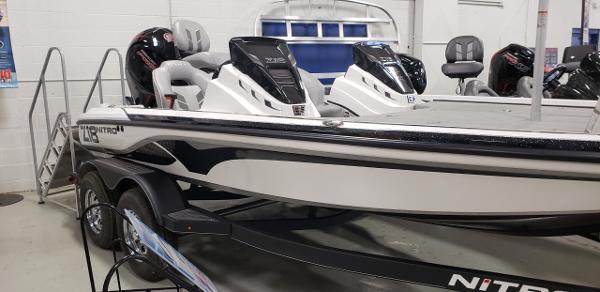 2021 Nitro boat for sale, model of the boat is Z18 & Image # 6 of 8