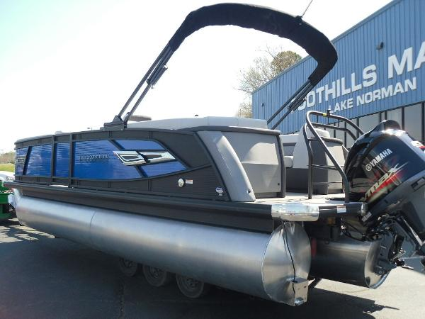 2021 Godfrey Pontoon boat for sale, model of the boat is AquaPatio 235 SBC iMPACT 29 in. Center Tube & Image # 5 of 46