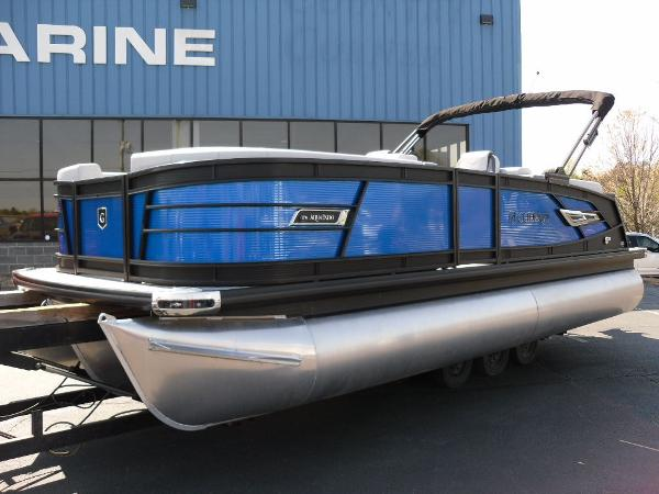 2021 Godfrey Pontoon boat for sale, model of the boat is AquaPatio 235 SBC iMPACT 29 in. Center Tube & Image # 6 of 46