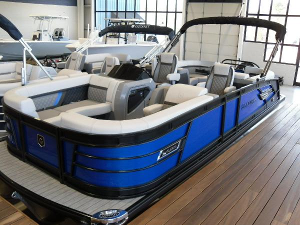 2021 Godfrey Pontoon boat for sale, model of the boat is AquaPatio 235 SBC iMPACT 29 in. Center Tube & Image # 22 of 46